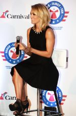 carrie-underwood-announces-her-partnership-with-carnival-cruise-line-in-jacksonville-01-28-2016_4_thumbnail