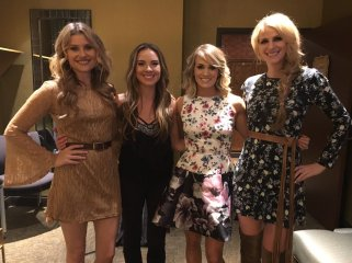"Carrie poses with the gorgeous ladies from ""Runaway June"""
